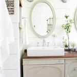 A Farmhouse Style Bathroom | www.makingitinthemountains.com