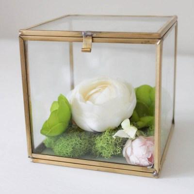 10 Minute Decorating: Simple & Pretty Faux Flower Box Terrarium