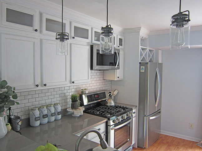 Builder Grade Kitchen Makeover