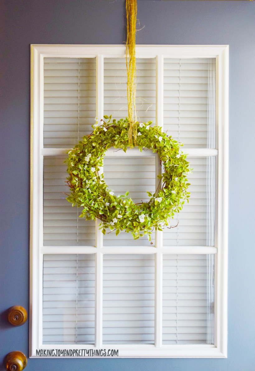 Simple DIY Farmhouse Wreath gives you the perfect DIY farmhouse style. It's a super fast and simply DIY craft!