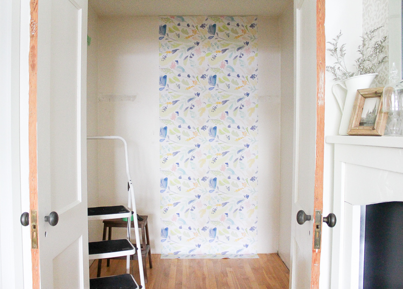 How to Install Removable Wallpaper | www.makingitinthemountains.com