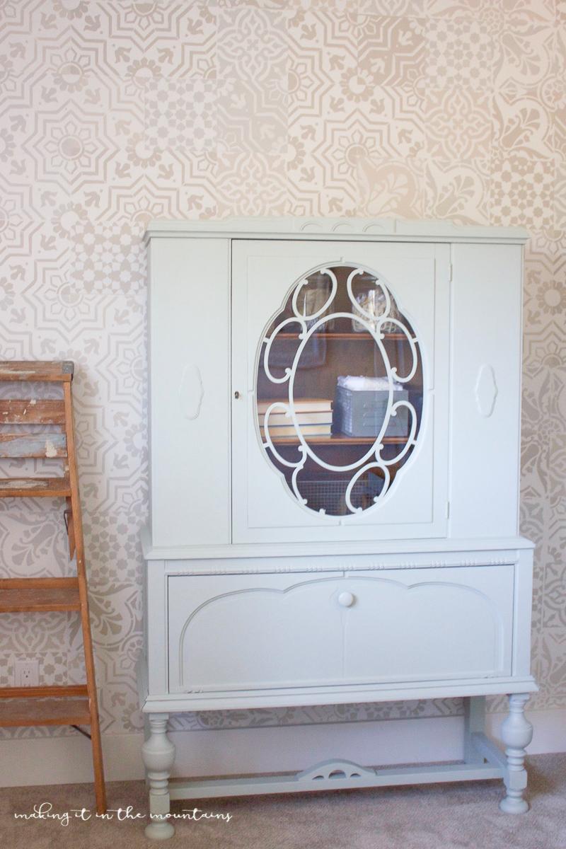 Farmhouse Style Office Storage | www.makingitinthemountains.com