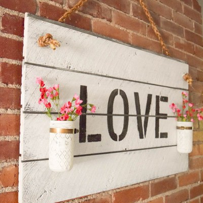 Rustic Farmhouse-Inspired DIY Shiplap Sign
