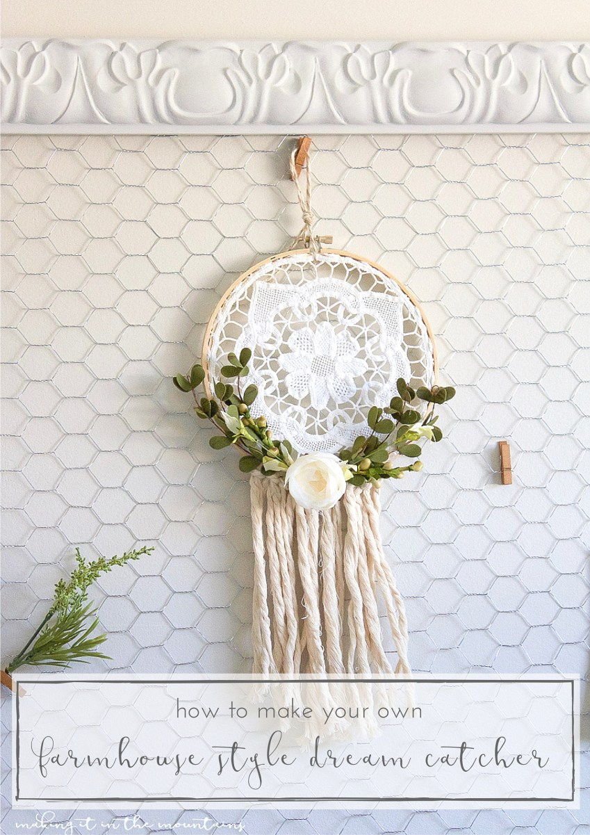 This lovely vintage doily really was the perfect backdrop to create a rustic farmhouse style dreamcatcher! | www.makingitinthemountains.com
