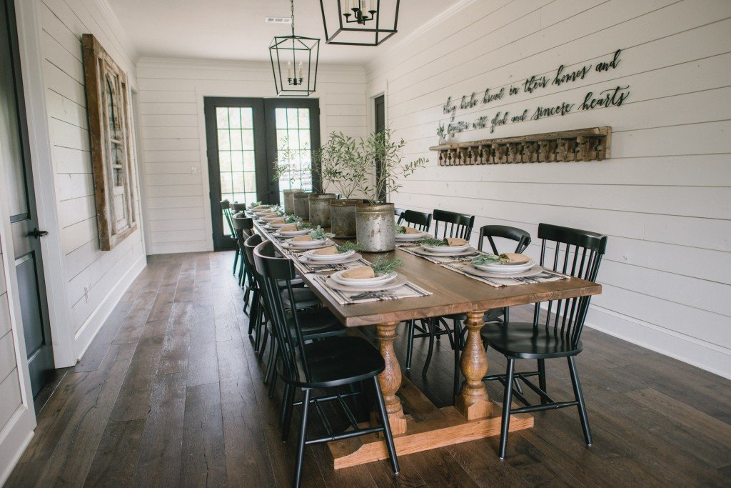 How To Choose The Perfect Farmhouse Paint Colors