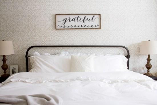 Farmhouse Pillowcase   www.makingitinthemountains.com