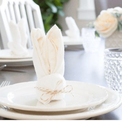 10 Minute Decorating: How to Fold the Sweetest Bunny Napkins