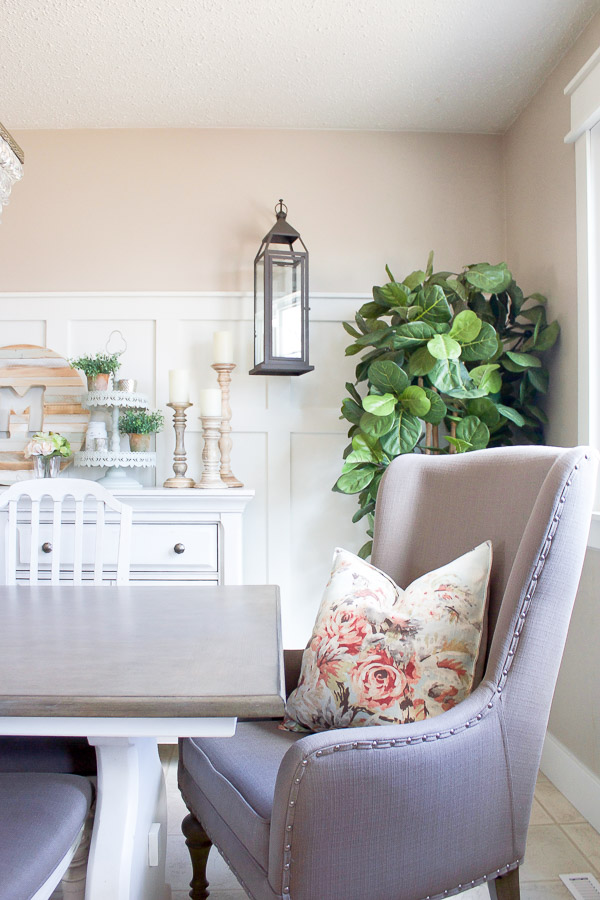 With Just A Few Simple Touches Our Farmhouse Style Spring Dining Room Is Looking Light