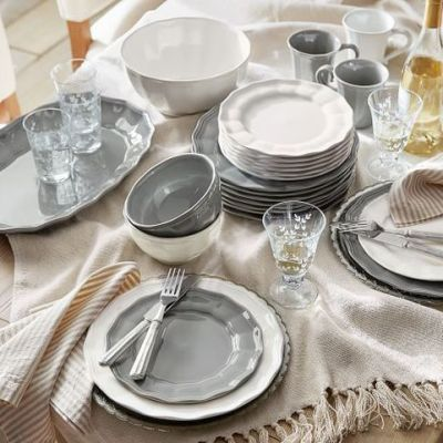 50 Gorgeous White Dinnerware Sets with Farmhouse Style