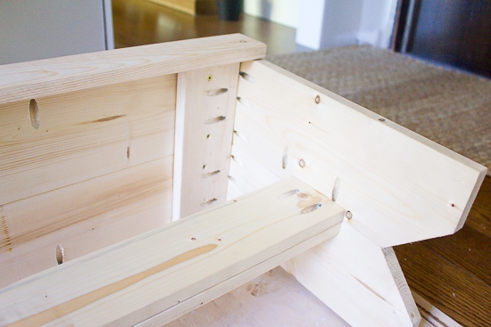 DIY Farmhouse Style Bench