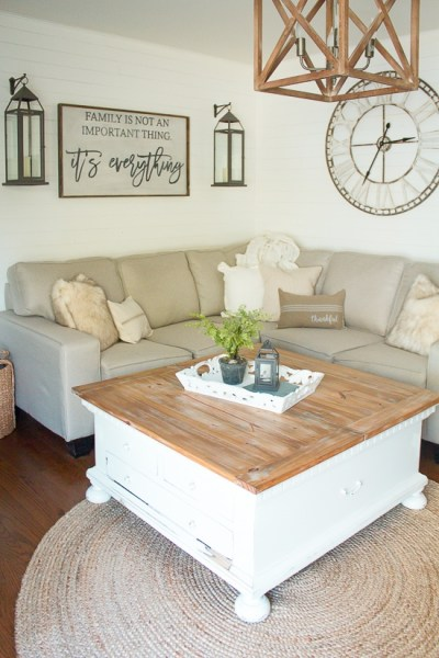 How to Style a Coffee Table | www.makingitinthemountains.com