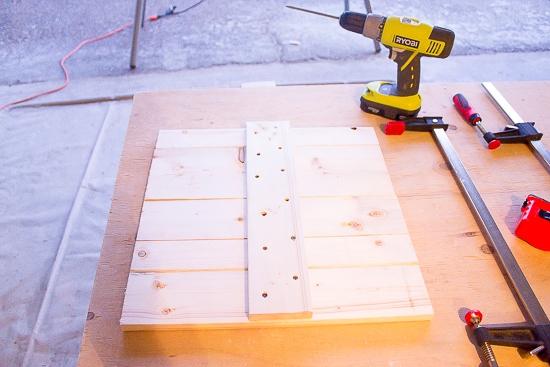 How to Make a Rustic Scrap Wood Pumpkin | www.makingitinthemountains.com