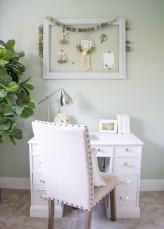 Farmhouse Office | www.makingitinthemountains.com