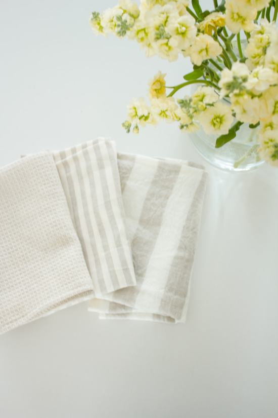 DIY Linen Dish Towel | www.makingitinthemountains.com