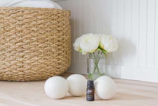 wool dryer balls, essential oils