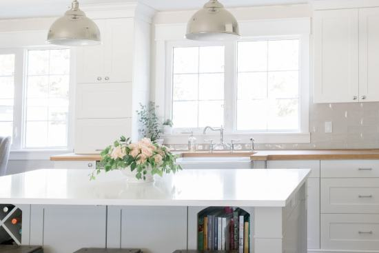 farmhouse flowers, white kitchen