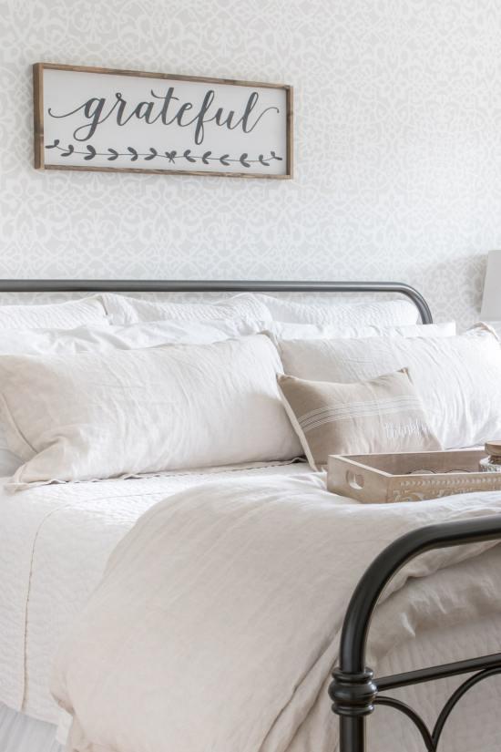 bed, linen bedding