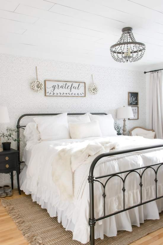 . Simple Farmhouse Christmas Bedroom Decor   making it in the mountains
