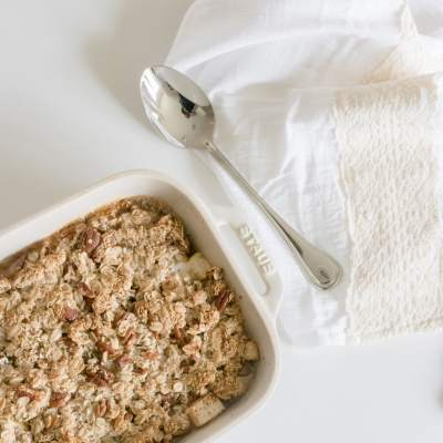 My Favourite Simple + Healthy Apple Crisp Recipe {gluten free + vegan}
