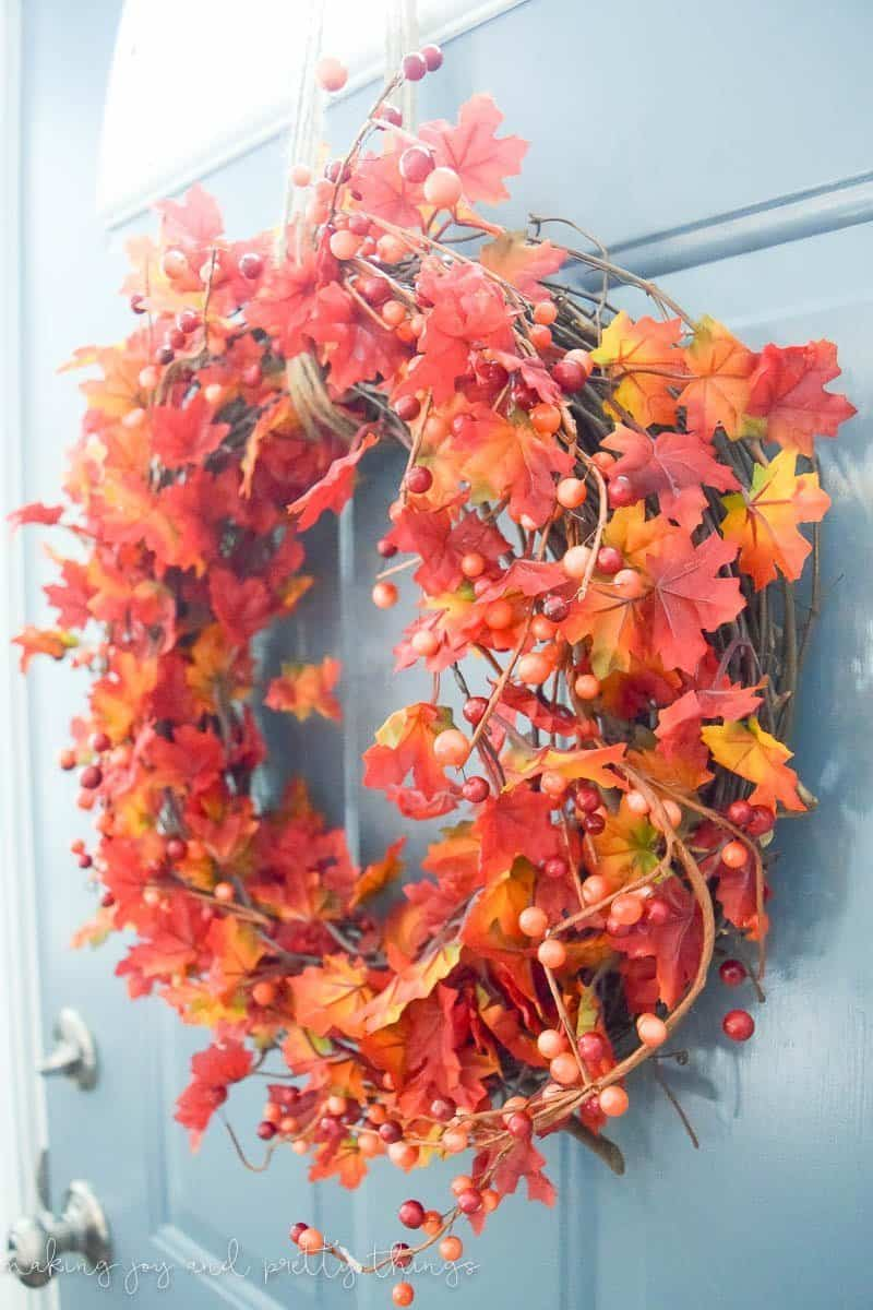 DIY Traditional Fall Wreath.