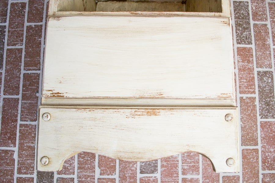 furniture tutorial: distress & antique