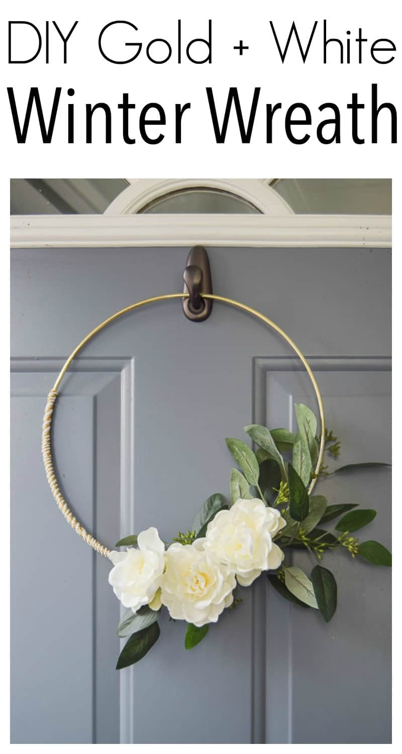 #diychristmas #winterwreath diy minimalist gold and white winter wreath | Diy Christmas decorations | diy Christmas decor | diy Christmas wreath | diy Christmas wreaths easy | diy Christmas wreaths for front door | diy winter wreath | diy winter decor | minimalist wreath | winter wreath diy | winter wreaths for front door | diy projects | crafts