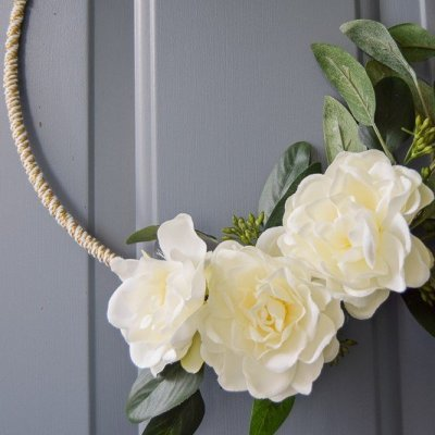 DIY Gold and White Winter Wreath