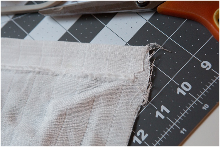 how to hem the edge of the blanket