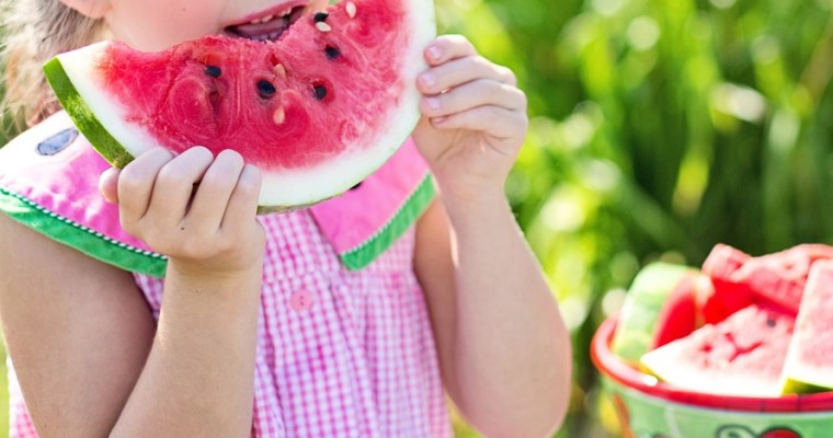 10 Ways to Teach Your Toddler Healthy Eating Habits