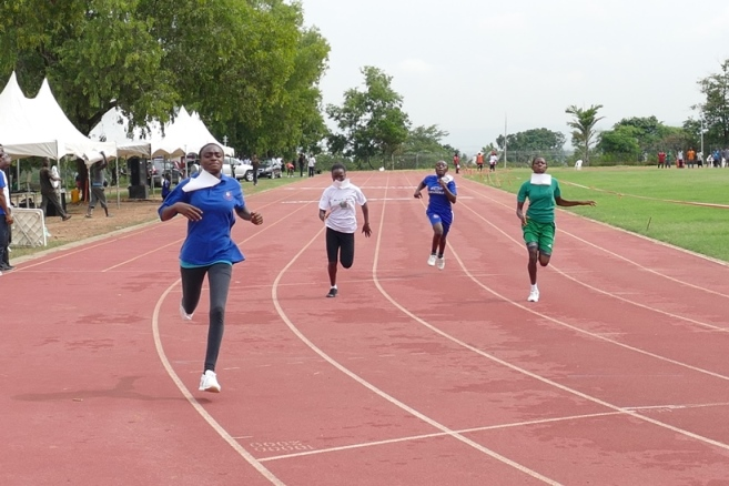 15-year old Favour Tochukwu won her 100m/200m races.