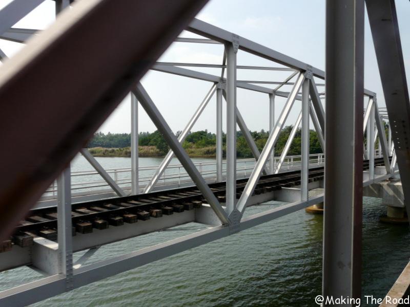 train colombo mirissa pont