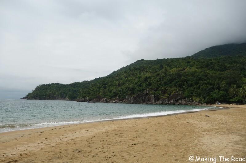 Praia Jabaquara une plage sauvage au brésil