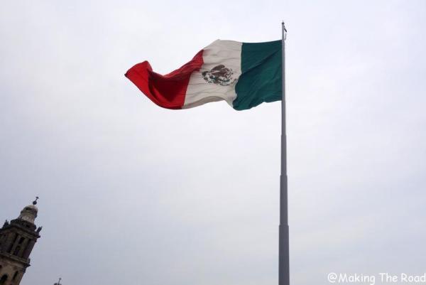 peut on sortir de l aéroport pendant une escale a mexico  escale visiter mexico centre historique zocalo manger restaurant metro aeroport centre
