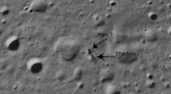 Ada Manusia Tertangap Kamera di Bulan?