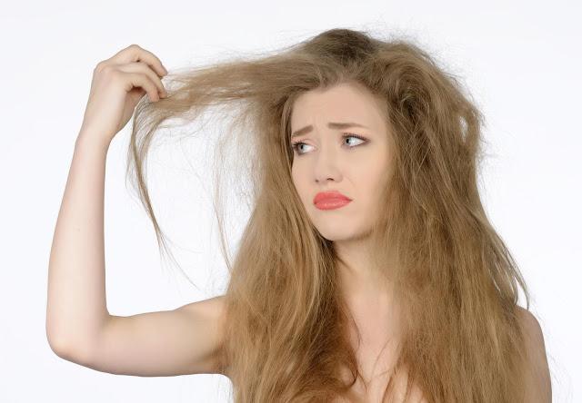 Masih Mengalami Masalah Rambut Kering Dan Rapuh? Ternyata Ini Penyebabnya