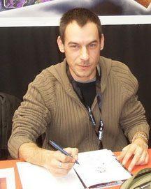 Sam Ménétrier, illustrateur et encreur de BD.