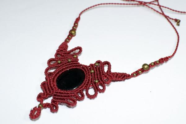 Collar original de macrame