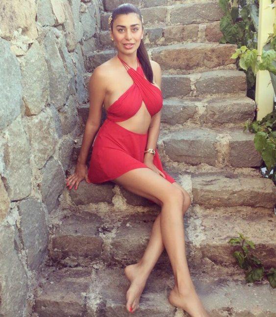 Ebru-Sanci-Yeni-Fotograflari-2015-Temmuz-31