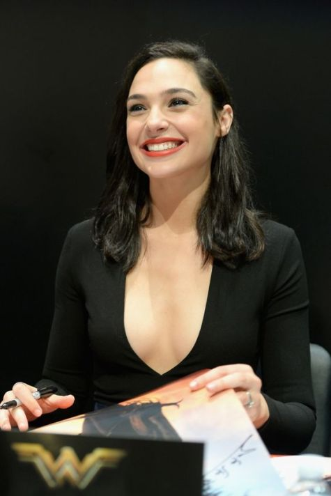 gal-gadot-2016-photo-11