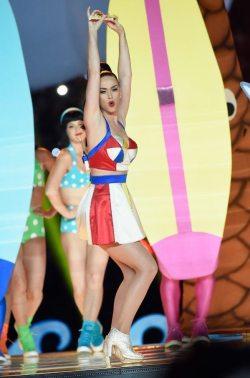 Katy-Perry-Super-Bowl-2015-7