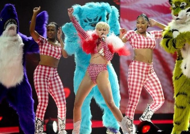 miley-cyrus-2015-vl-pictures-8