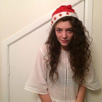 taylor-swift-lorde-christmas-cookies-1