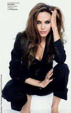 Angelina-Jolie-30