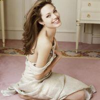 Angelina-Jolie-44