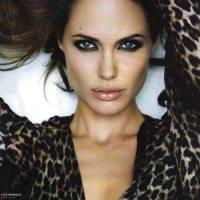 Angelina-Jolie-54