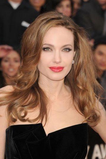 Angelina-Jolie-78