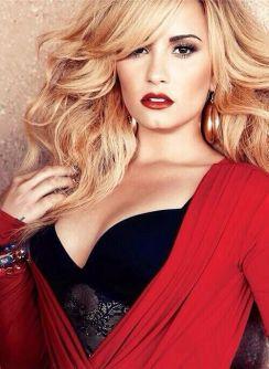 Demi-Lovato-18