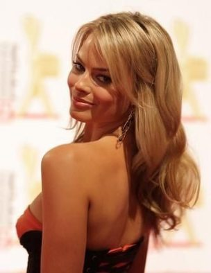 Margot-Robbie-new-photos-2014-41