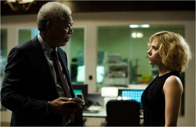 lucy-film-2014-scarlett-johansson-4