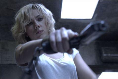 lucy-film-2014-scarlett-johansson-6